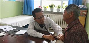 全总组织医疗专家赴新疆生产建设兵团义诊